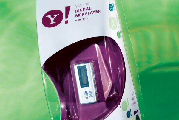 Packaging Design for Yahoo! Consumer Electronics MP3 Player