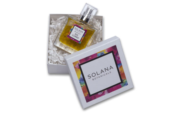PRODUCT PHOTOGRAPHY OF SOLANA BOTANICALS 30ML BOTTLE IN GIFT BOX